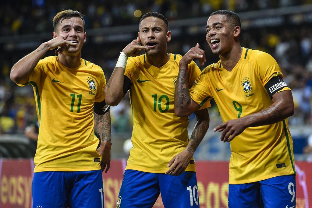 28390c66fa Thiago Silva herda camisa 2 de Daniel Alves e Marcelo vestirá o ...